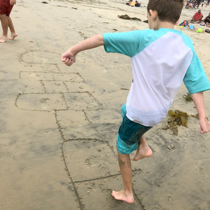 #hopscotch #barefeet #beach 3